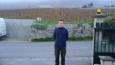 Alexandre-Le-Brun-in-front-of-his-vines-for-web site